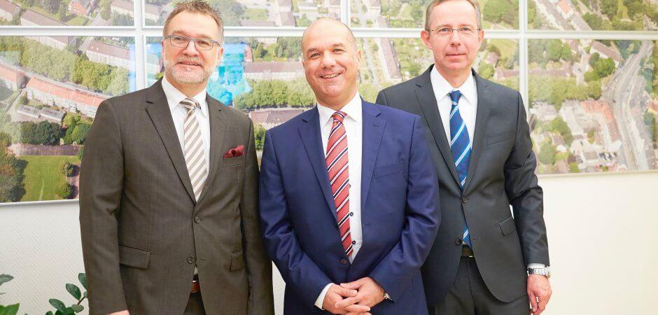 Vorstand Wohnungsgenossenschaft Essen-Nord. Von links nach rechts: Michael Malik (Mitglied des Vorstandes); Juan-Carlos Pulido (Vorsitzender des Vorstandes); Andreas Dargegen (Mitglied des Vorstandes).