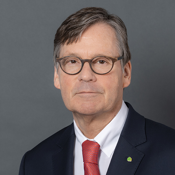 Dr. Thomas Hermes